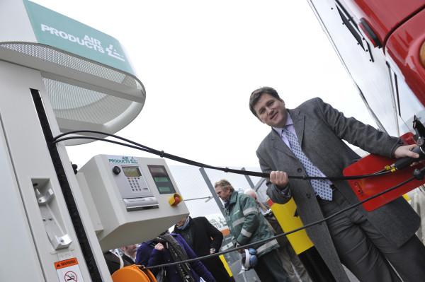 Hydrogen bus (2)