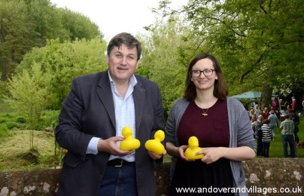 Mucky Duck race, Monxton - thanks to A&V